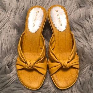 💥MLK SALE💥 NWOT Yellow Naturalizer wedge sandal